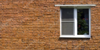 depositphotos_23580637-stock-photo-window-at-the-brick-wall.jpg - Городок